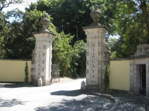 The entrance to Vizcaya.